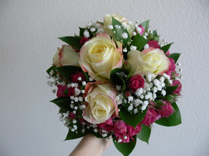 Как сделать букет из роз из живых 259