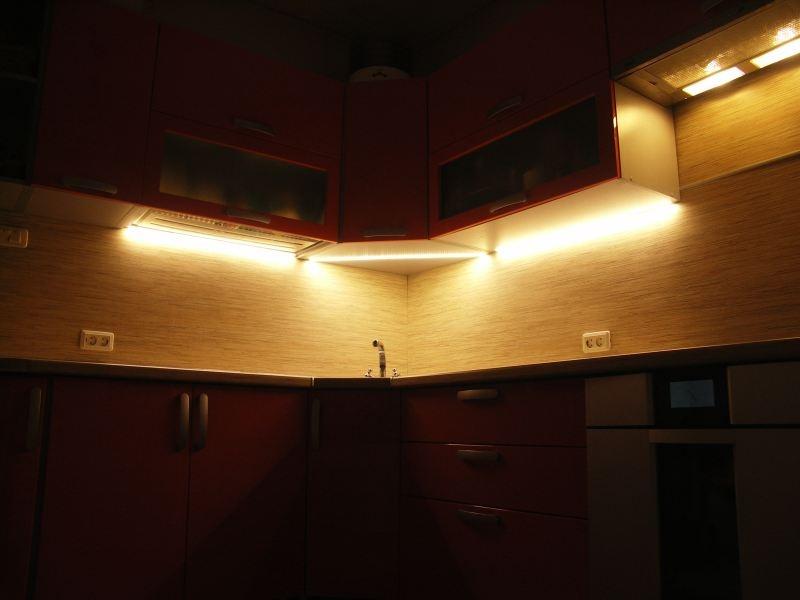 Как сделать светодиодную подсветку своими руками на кухне